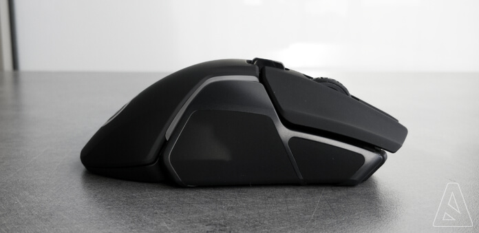 Droite - SteelSeries Rival 600